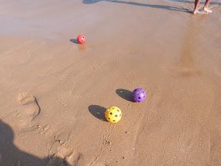 Corrida de 3 playballs na areia! 1