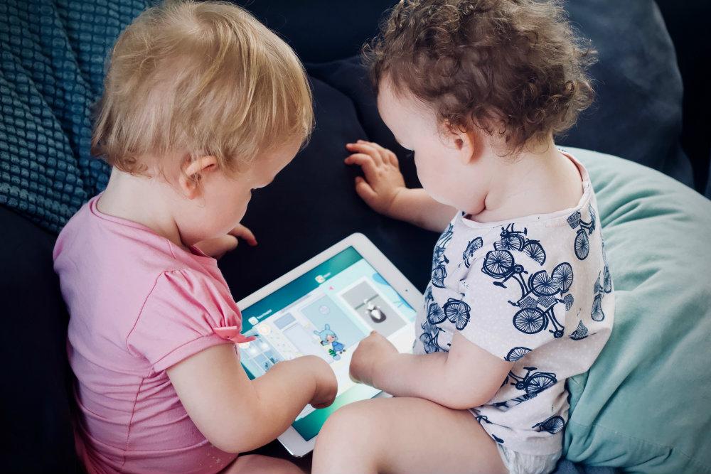 crianças tablet